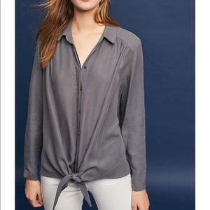 Anthropologie | Maeve grey tie front Tuesday top